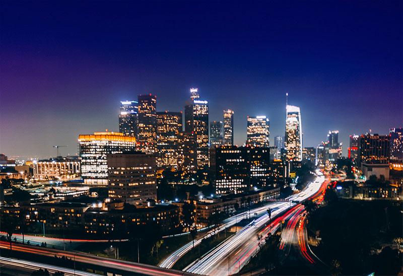 レイカーズカラーの秘密 ロサンゼルス 夜の空の色